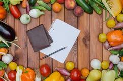 Verduras y composición de las frutas Imagen de archivo libre de regalías