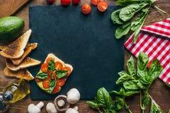 verduras y tostadas Fotografía de archivo libre de regalías