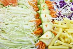 Verdure affettate per insalata Immagini Stock