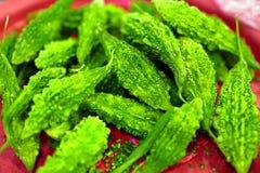 verdure Alimento sano Zucca amara asiatica (melone) nel mercato Immagini Stock Libere da Diritti