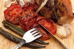 Verdure arrostite ed erba con carne di maiale Fotografia Stock