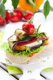 Verdure cotte su pane tostato Fotografie Stock