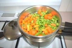 Verdure cotte a vapore Fotografie Stock
