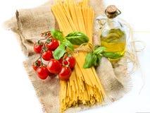 Verdure degli spaghetti della pasta, olio delle spezie Fotografia Stock Libera da Diritti
