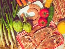 Verdure e carne del gruppo crude Immagini Stock