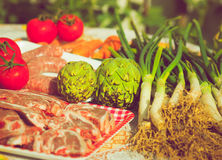 Verdure e carne del gruppo crude Fotografia Stock