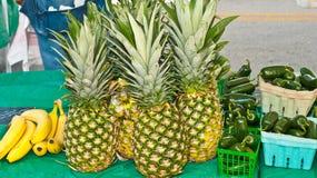 Verdure e frutta al mercato dell'azienda agricola Immagini Stock