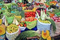 Verdure e frutta, mercato Perù. Immagine Stock