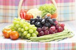 Verdure e frutta organiche sane Fotografie Stock