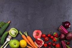 Verdure e frutta su fondo nero Fotografia Stock