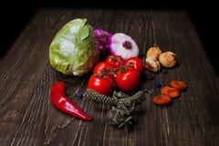 Verdure fresche degli ingredienti alimentari sul tabel Fotografia Stock