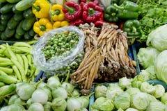 Verdure fresche ed organiche nel mercato alla Tailandia Fotografia Stock
