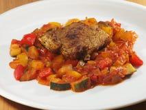 Verdure italiane con la bistecca del tacchino Fotografia Stock Libera da Diritti