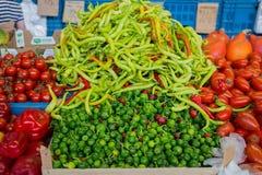 Verdure nella stalla del mercato Fotografie Stock Libere da Diritti