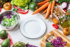 Verdure organiche fresche dell'agricoltore, ingredienti della minestra per cucinare Fotografia Stock Libera da Diritti