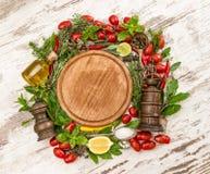Verdure, spezie ed erbe basilico, timo, alloro, salvia e ROS Immagine Stock Libera da Diritti