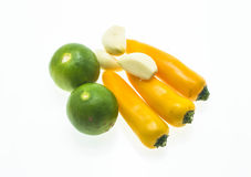 Verdure sui precedenti bianchi Fotografia Stock Libera da Diritti