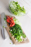 Verdure tagliate per un'insalata Immagine Stock