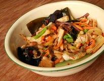 Verdure tagliuzzate piccanti cinesi del piatto freddo Fotografie Stock Libere da Diritti