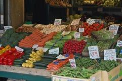 Verdure variopinte da vendere Immagini Stock Libere da Diritti