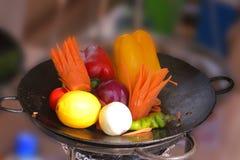 Verdure in vaschetta di frittura Fotografia Stock Libera da Diritti