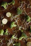 Verdure verdi sulla tavola Fotografia Stock