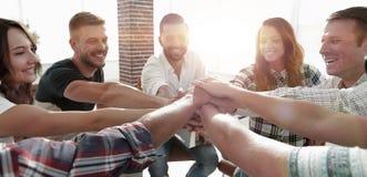 Vereinheitlichtes Geschäftsteam Das Konzept der Teamwork lizenzfreie stockfotografie