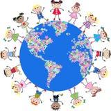 Vereinigte Kinder um die Kugel Stockfotos