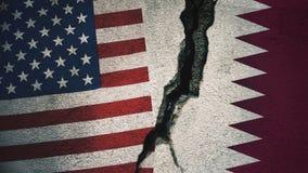 Vereinigte Staaten gegen Katar-Flaggen auf gebrochener Wand Stockbild