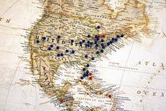 Vereinigte Staaten mit Karten-Heftzwecken stockbild