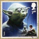 VEREINIGTES KÖNIGREICH - 2015: zeigt Porträt von Yoda, Reihe Star Wars, die Kraft weckt Lizenzfreie Stockfotos