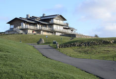 Vereinsheim auf dem Hügel Stockfotos