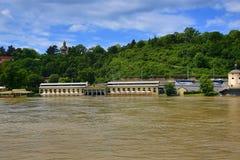 Verenigd water in Juni 2013 in Praag, Moldau, Vltava, Tsjechische Republiek Stock Foto