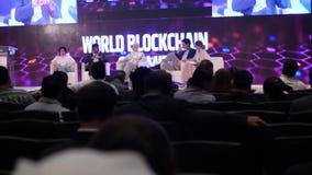 Verenigde Arabische Emiraten, Doubai - Oktober 24, 2017: Commerciële Vergadering en Conferentiesideeën Groep Mensen het Aanwezig  stock footage