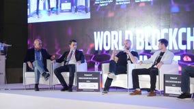 Verenigde Arabische Emiraten, Doubai - Oktober 24, 2017: Commerciële Vergadering en Conferentiesideeën Groep Mensen het Aanwezig  stock videobeelden