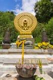 Verering van boeddhistische god Stock Afbeelding