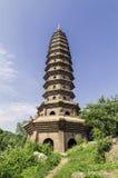 Vereringstoren in de PhatTich-pagode, BacNinh-provice, Vietnam Royalty-vrije Stock Fotografie