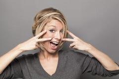 Verführungskonzept für schöne junge blonde Frau Lizenzfreie Stockbilder