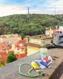 Verf op de achtergrond van de stad (Praag) royalty-vrije stock afbeeldingen