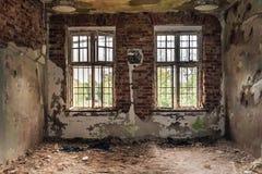 Verfallene Zelle von geschlossen hinunter psychiatrische Anstalt stockfoto