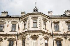 Verfallenes Jahrhunderte altes Schloss stockbilder