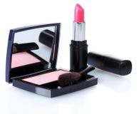 Verfassung Blusher und rosafarbenes lipstik lizenzfreie stockfotografie