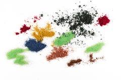 verfassung Collage über weißem Hintergrund pinsel Buntes Funkeln lipgloss, Rouge, Lidschatten, auf einem weißen Hintergrund Stockbild