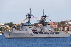 Verfolgung nigerischer Schneider-ehemalige Vereinigter Staaten der Marine-NNS des Donner-F90 der K?stenwache-USCGC, Hamilton-klas lizenzfreie stockbilder
