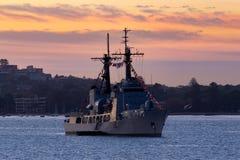 Verfolgung nigerischer Schneider-ehemalige Vereinigter Staaten der Marine-NNS des Donner-F90 der K?stenwache-USCGC, Hamilton-klas lizenzfreies stockbild