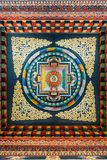 Verfraaid plafond dat over het verhaal van Boedha in kunst Uit Bhutan binnen het Koninklijke Klooster Uit Bhutan in Bodh Gaya, Bi stock afbeeldingen