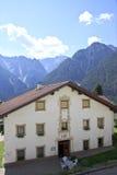 Verfraaid Tyroler-huis in Assling, Oostenrijk Stock Afbeeldingen