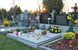 Verfraaide graven in de avond royalty-vrije stock fotografie
