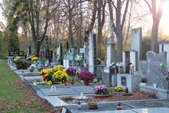 Verfraaide graven in de avond royalty-vrije stock foto