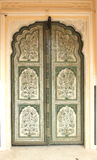 Verfraaide houten deur. Stock Foto's